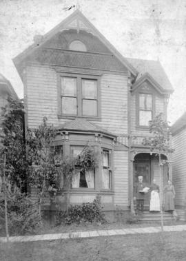 [Exterior of house at 427 Princess Street (459 Pender Street)]