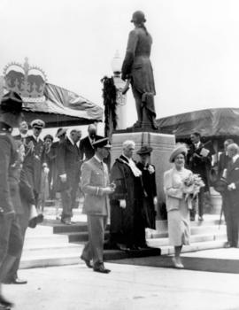 [King George VI and Queen Elizabeth after unveiling the statue of Captain G. Vancouver at City Hall]