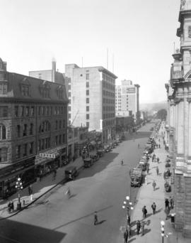 [View of the 700 block West Hastings Street looking west to Howe Street]
