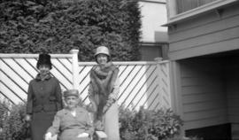 1414 Laburnum St. 10th Sept. 1960 [and Miss Marjorie Willis, Eileen Willis, and Mrs. Mabel Agnes ...