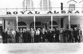 [Board of Trade delegation in front of the Royal Alexandra Hotel]