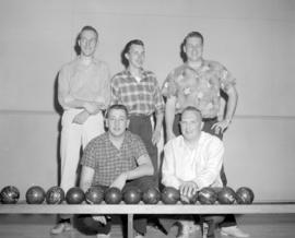 [Group portait of West Vancouver Bowlers]