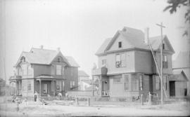 [Construction of Lt. Col. C.A. Worsnap and Frank Webb residences, 741 and 761 Thurlow Street]