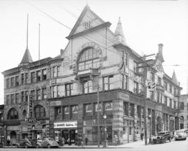 [O'Brien Hall, Metropolitan Block and the De Beck Building, southeast corner of Homer and Hasting...