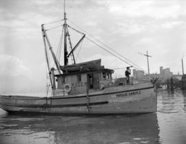 "Fish  boat ""Phyllis Carlyle"""