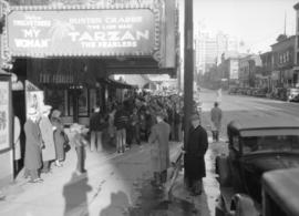 Crowd outside the Dominion Theatre [at 962 Granville Street]