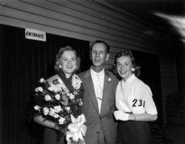 Miss P.N.E., Glenda Sjoberg, posing with unidentified man and woman