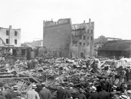 [crowd at the site of Champion and White warehouse (935-941 Main Street) after destroyed by fire]