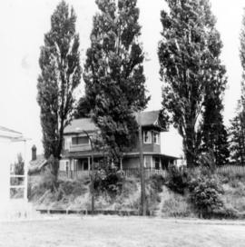 [Exterior of the old Bodwell home on the corner of West 22nd Avenue and Fraser (Celtic) Avenue]