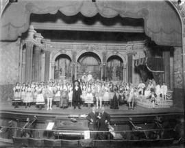 "[The Cast of the ""Gondoliers"" on stage at the Vancouver Opera House - 765 Granville Str..."
