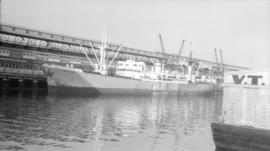 S.S. Manx Navigator [at dock]