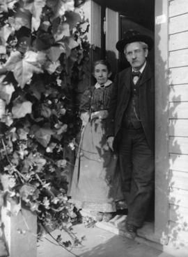 George Young Timms, father of P.T. Timms, and wife, at 3008 Westminster Avenue [14th Avenue and M...