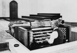 [Organ and organist, St. Andrew's Wesley United Church]