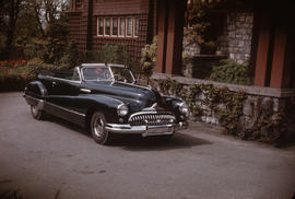 Black Buick Roadmaster in front of house at 1402 McRae Avenue