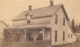 [Exterior of Mrs. John Peabody Patterson's home]