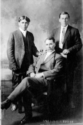 [James Walker with his sons William James and Frank Matthew]