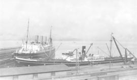 [CPR steamship and freighter]
