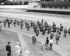 Caledonian Games [Highland Band around track