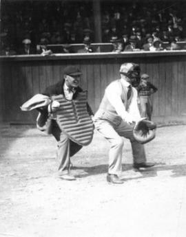 [Mayor L.D. Taylor catching at opening of baseball season 1926]