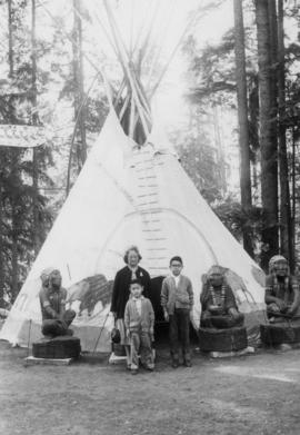 Lillian Wong, Paul Yee and Vernon Yee at Capilano Canyon