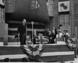 His Worship Gerald Grattan McGeer, K.C., M.P., Mayor of Vancouver, addresses assemblage [at City ...