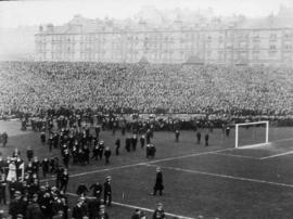 [Crowds at a football match]