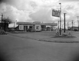 [Archie Caddell's B.A. Oil service station]