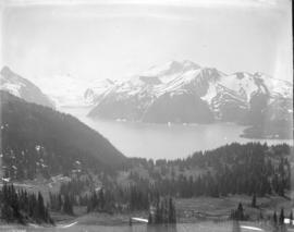[Garibaldi Lake from the south side of Black Tusk]