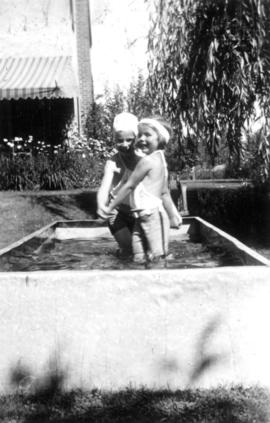 Alix Louise Gordon and Jane Banfield swimming in the tank