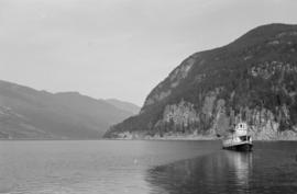 [S.S. Rosebery on Slocan Lake]