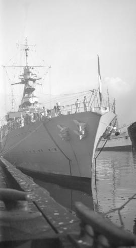 [Bow of] Jeanne D'Arc [French naval ship at] C.P.R. [Pier] B