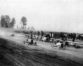 Auto racing PNE 1933 : [Motor car race at Hastings Park racetrack]