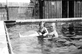 At Beach Grove : Jane [Banfield] and her dad [W.O. Banfield]