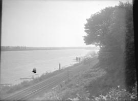 [Canadian Pacific rail line along the Fraser River]
