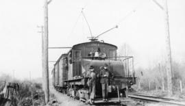 [Railroad workers and B.C.E.R. engine number 981]