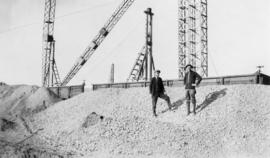 Shoring [?] gravel and sand, at Chinook as of April 11, 1925
