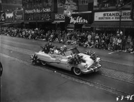 West Vancouver decorated Buick in 1953 P.N.E. Opening Day Parade
