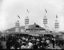 Crowds at main entrance gate to Exhibition Park