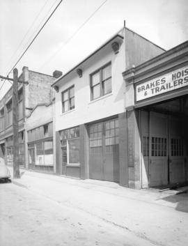 Pine Tree Nut Company [exterior at] 956 Richards Street