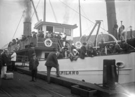 "Hawick picnic [group on excursion steamer ""Capilano""]"