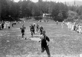 Pioneer Laundry Employees' Annual Picnic [showing men's foot race]