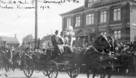 [The Duke and Duchess of Connaught being driven through Vancouver]