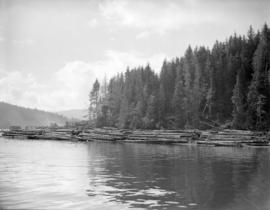 [Davis Rafts off the] Queen Charlotte Islands