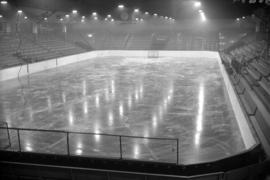 [Ice hockey rink at the Forum]