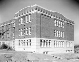 Addition to Lord Byng School [at 16th Avenue and Wallace Street]