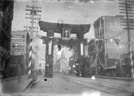 [Japanese arch on Hastings between Homer and Hamilton, erected for the visit of the Duke and Duch...