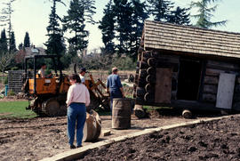 Canadian Heritage Garden : moving the log cabin