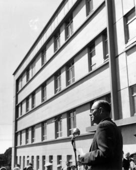 [The Honourable Eric Martin making an address at the opeining of the new wing of Grace Hospital]